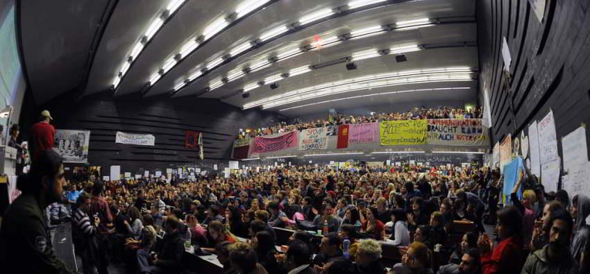 Das vollbesetzte Audimax der Uni Wien während der Besetzung 2009. cc-by-nc Martin Juen